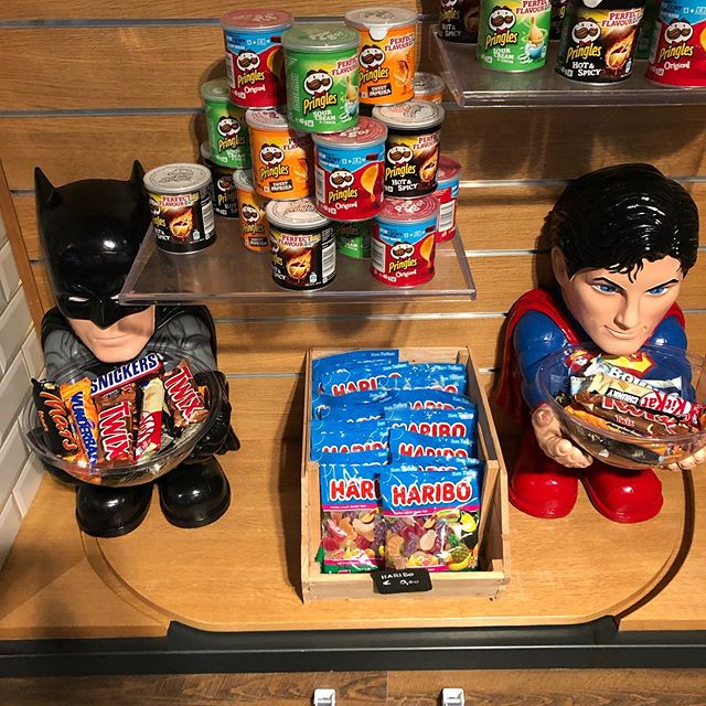 Psst, hey... Kiddos... we got candy!!! #atthemoxy #atthemoxymunich, #superheroesneedworktoo #vintagesalvation #munich