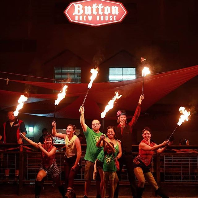 We are super excited to celebrate tonight with @buttonbrewhouse for their 2nd Anniversary!!! Festivities start at 12noon today and go until around10pm! Come enjoy a magical fire show by @cirqueroots at 8pm!!! We love Button Brewhouse!! #supportlocal #tucsonbeer #tucsonbrewery #circus #tucsoncircus #firearts ::::: great family photo by @pedrographer