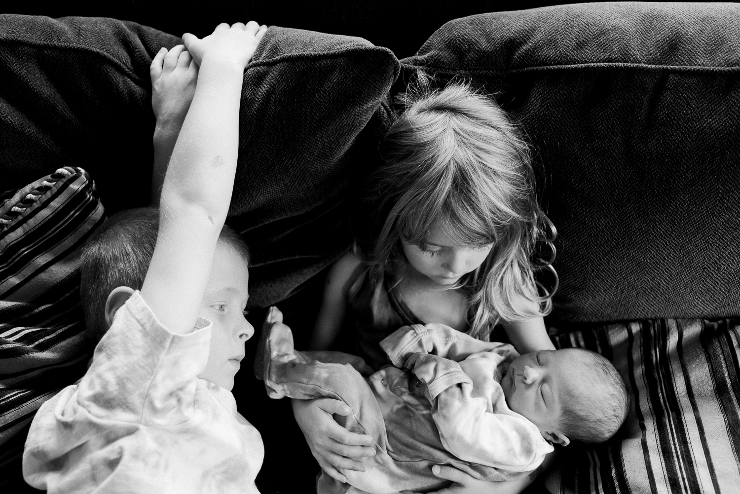 newborn-family-home-session-alaska_44.jpg