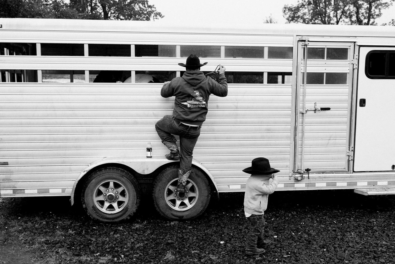 rodeo-family-in-alaska_13.jpg