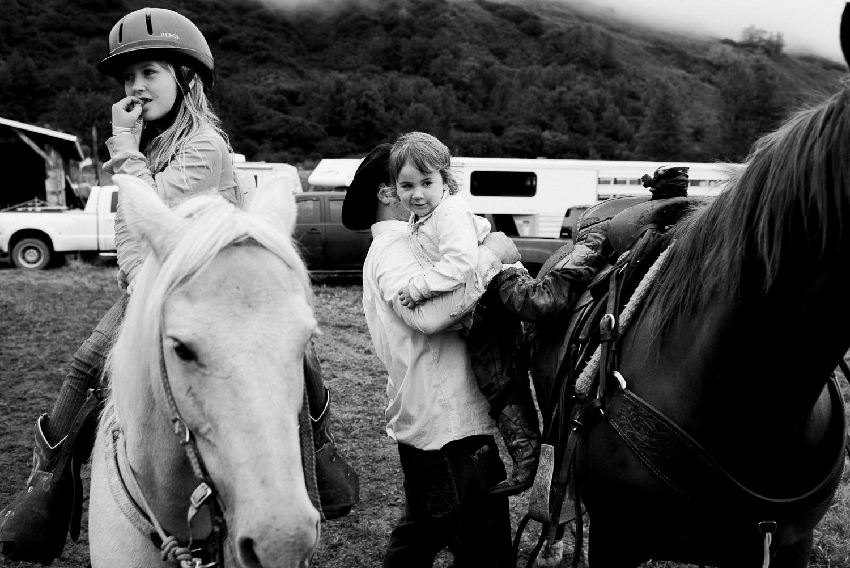rodeo-family-in-alaska_64.jpg