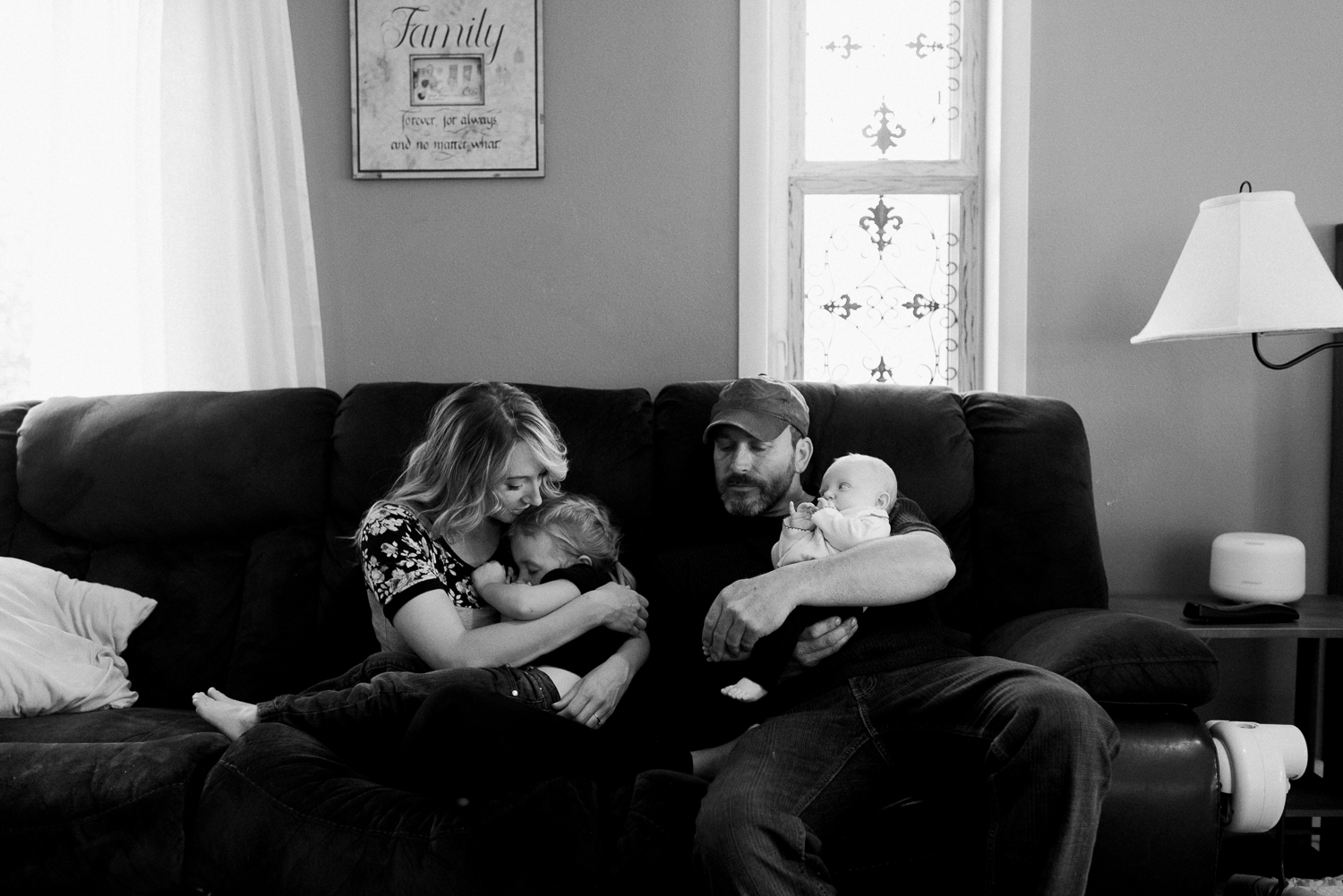 newborn-family-home-session-alaska_15.jpg