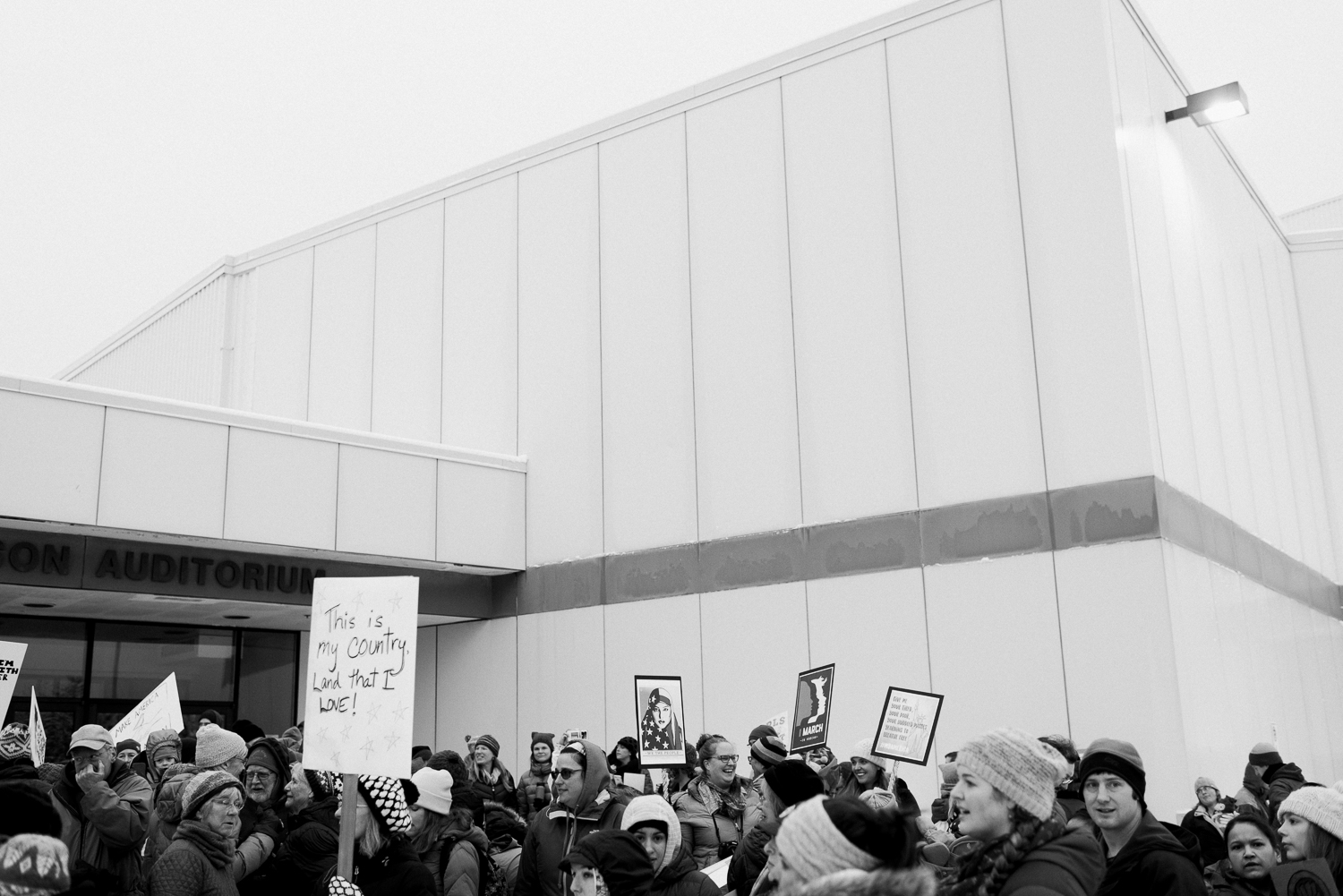 womens march-breanna peterson- kodiak alaska_0013.jpg