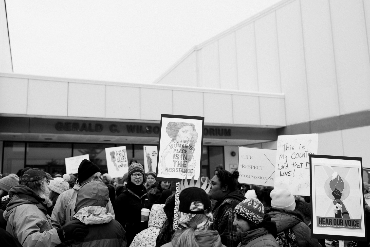womens march-breanna peterson- kodiak alaska_0012.jpg