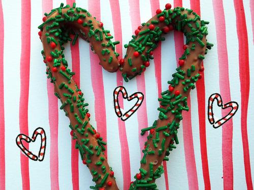 20111recpg212-182966-heartcanes-thumb-500x375-204830.jpg