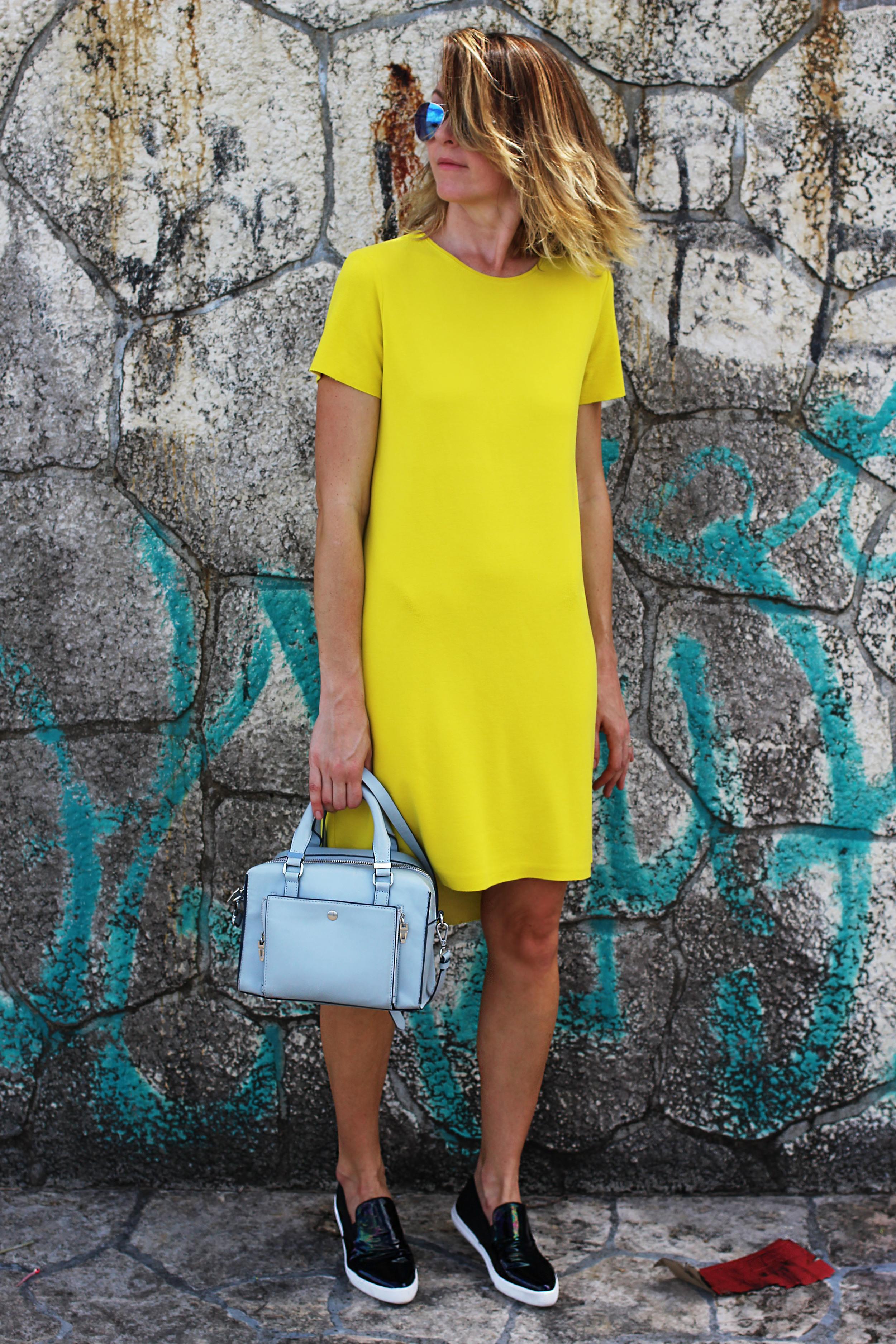 yellowdress1.jpg