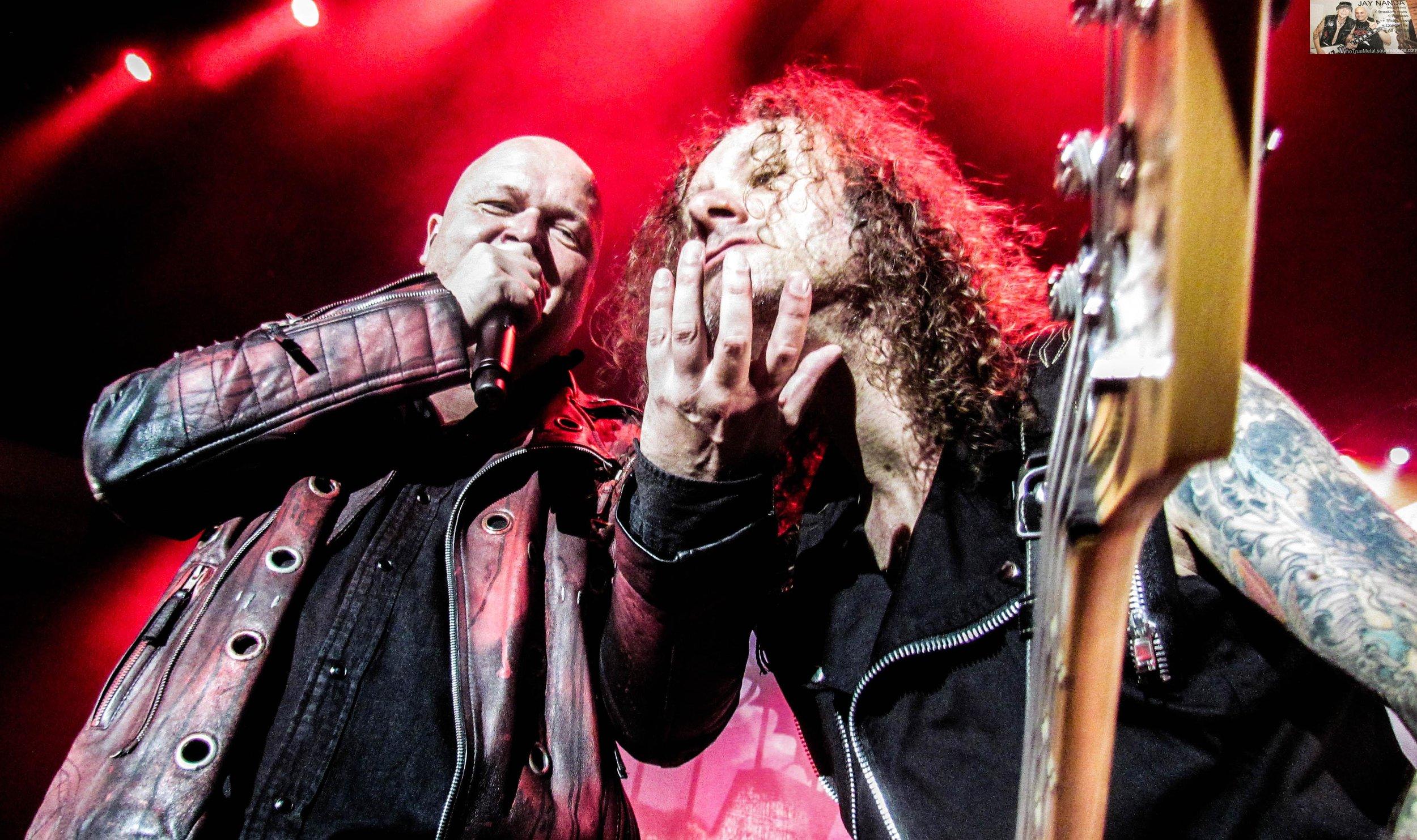 Kiske has fun with his late-'80s bandmate and former nemesis Grosskopf.