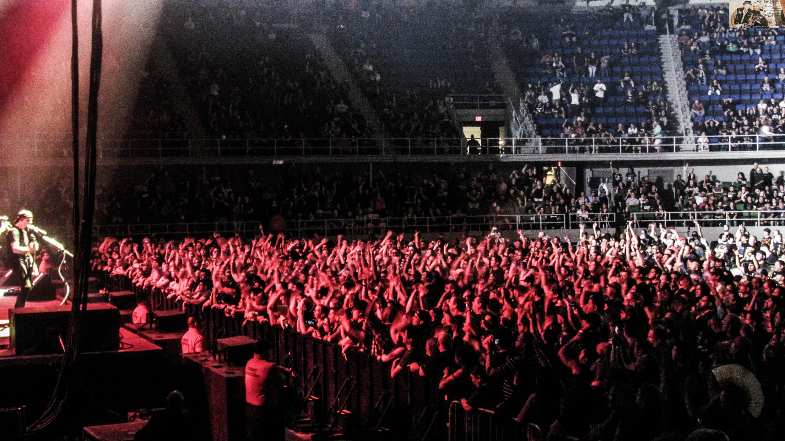 An estimated 3,500 fans turned out on a Tuesday to watch Godsmack and Stitched Up Heart.