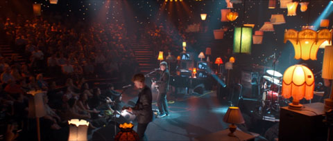 Lamps settling at home with Coldplay at the venue - Max Sessions returns, Foxtel live music performance special promotion