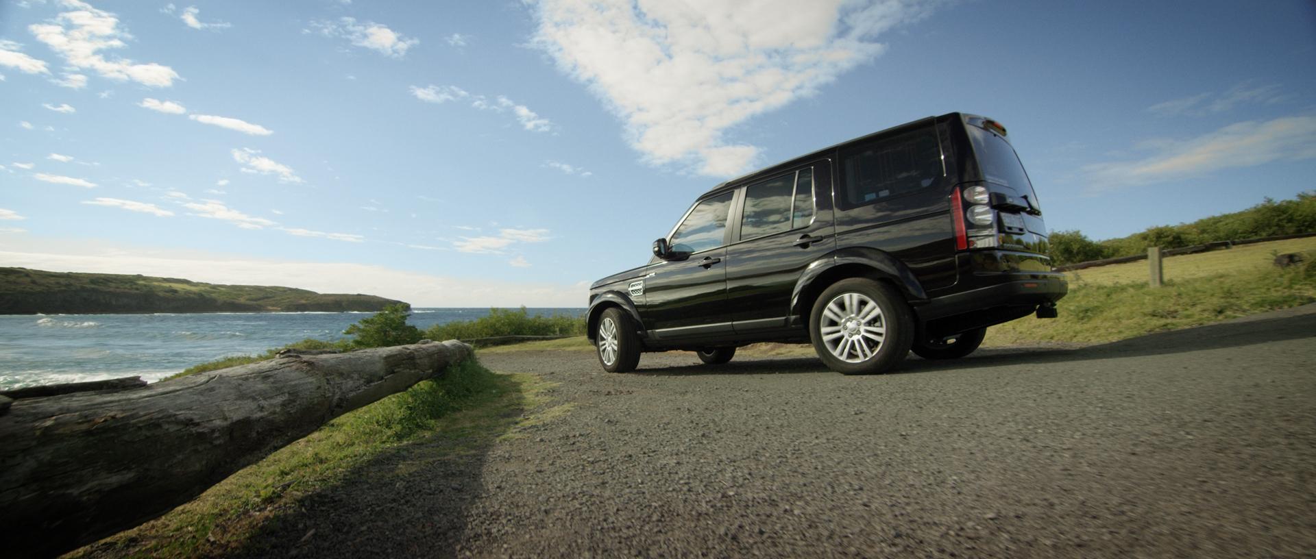 Land_Rover_Sally_Fitzgibbons_03.jpg