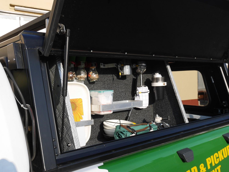 Alu-Cab Hardtop Explorer 3 1019 Ford Ranger.JPG