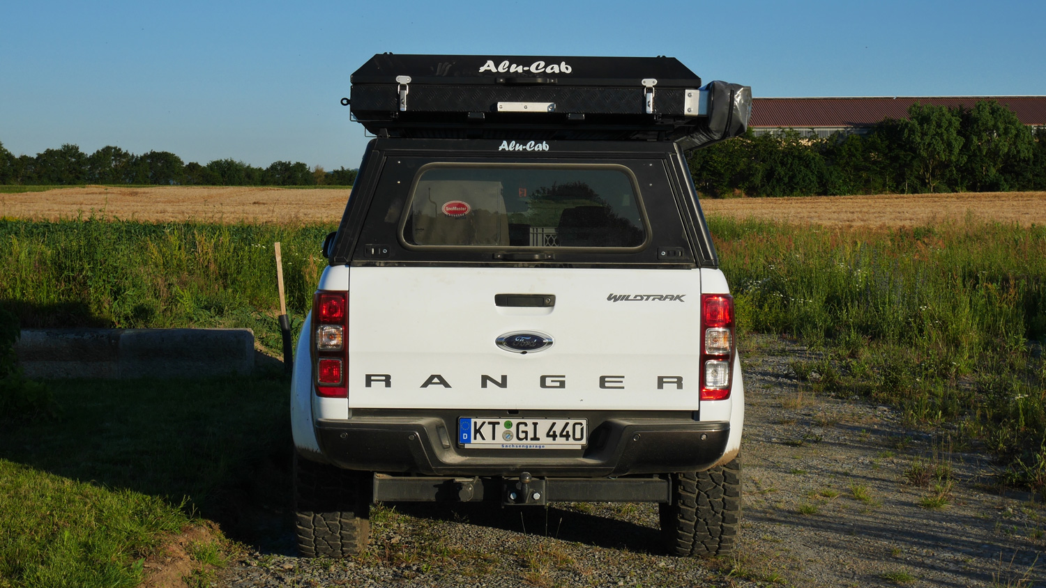 Alu-Cab-Hardtop-Explorer-3---Dachzelt-Expedition-3---Ford-Ranger-151-1500x844.jpg