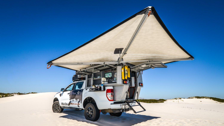 Alu-Cab Camper Khaya 0116 Atlantis Dunes.jpg