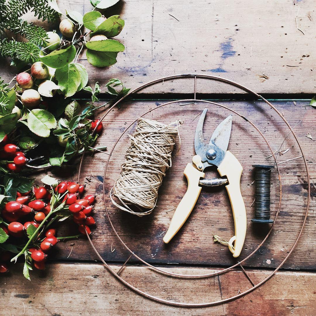 wreath tools.jpg