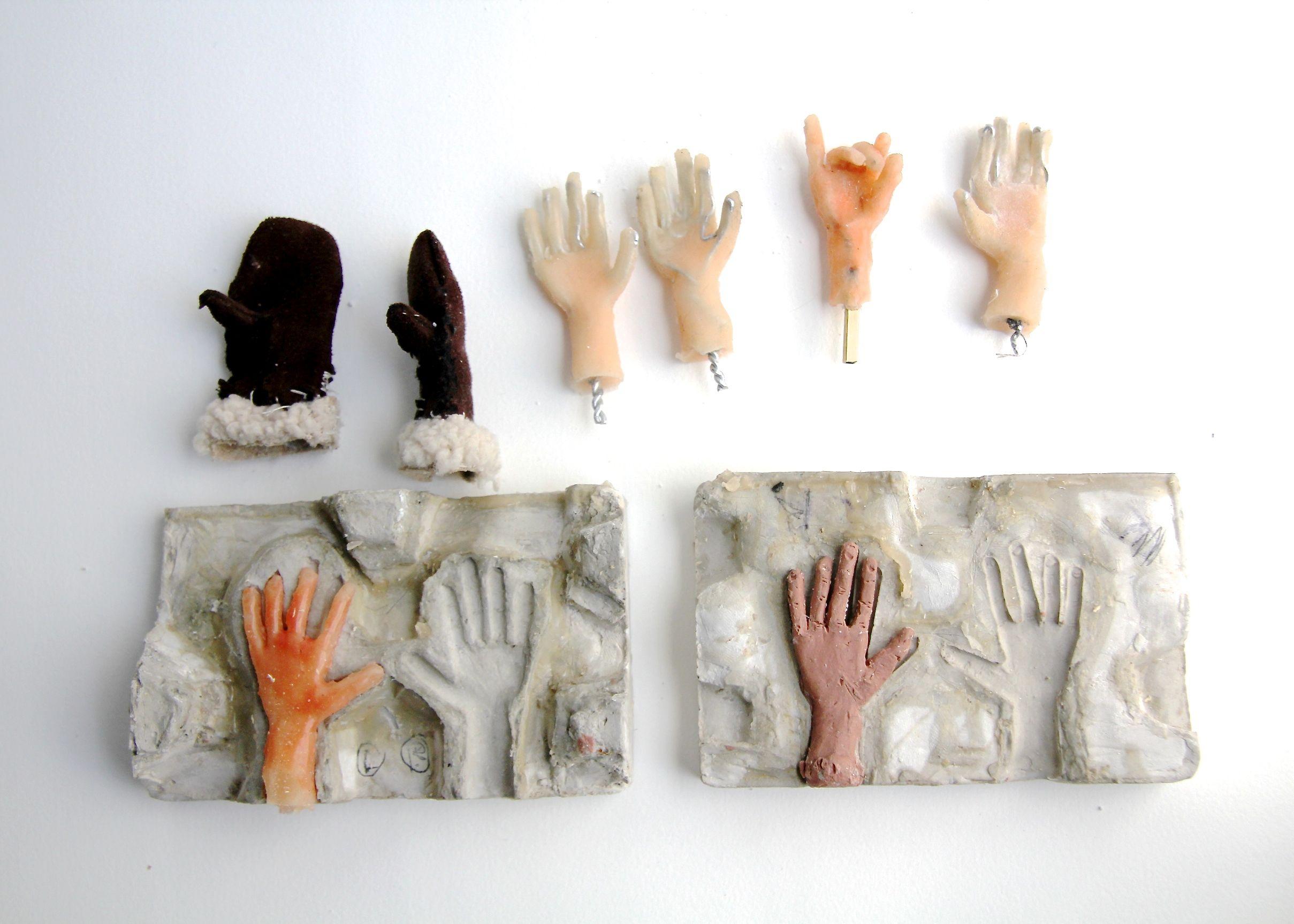 05_hands_mitts.jpg