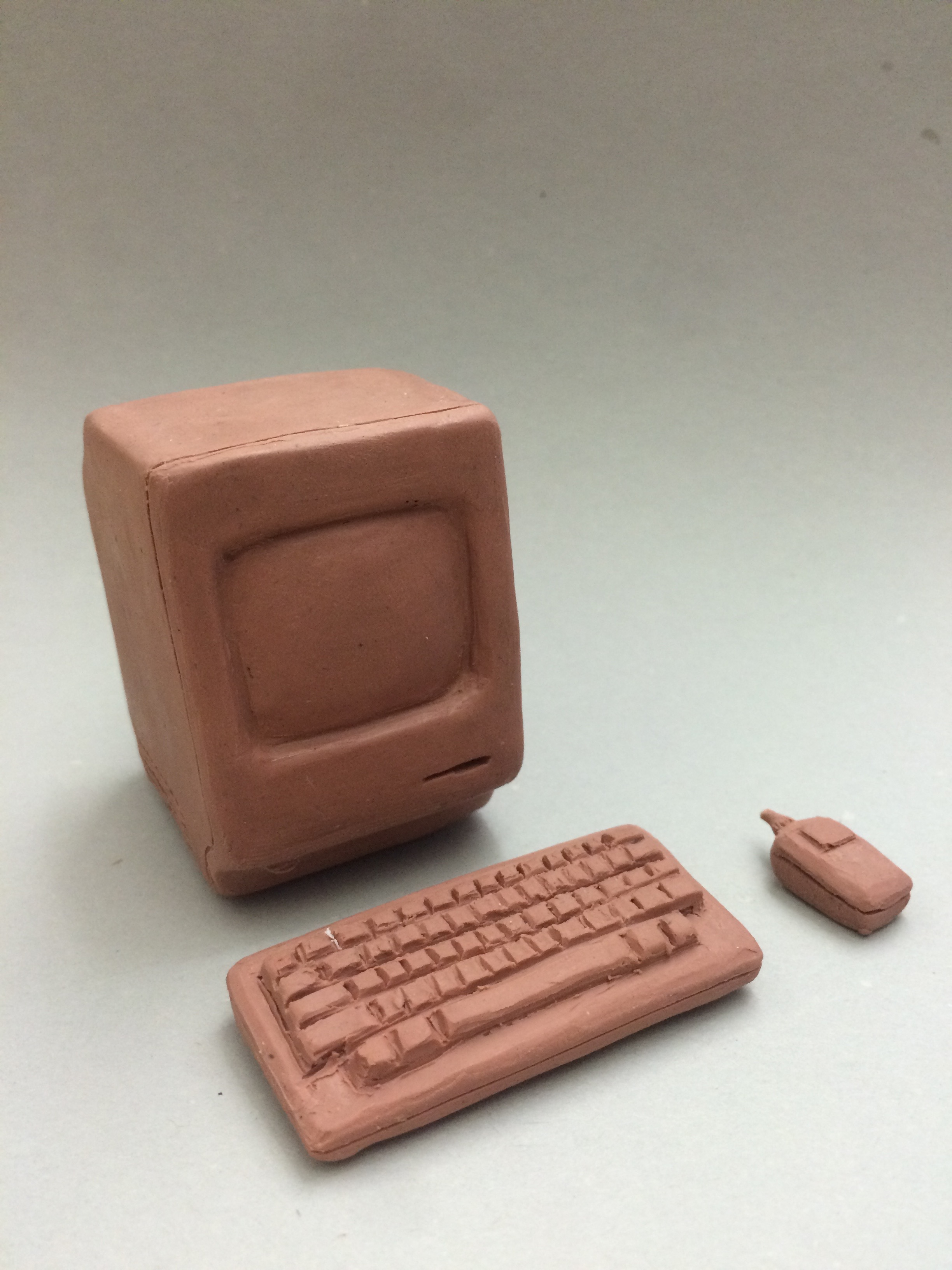 Macintosh Classic ii, a beautiful classic from 1991.