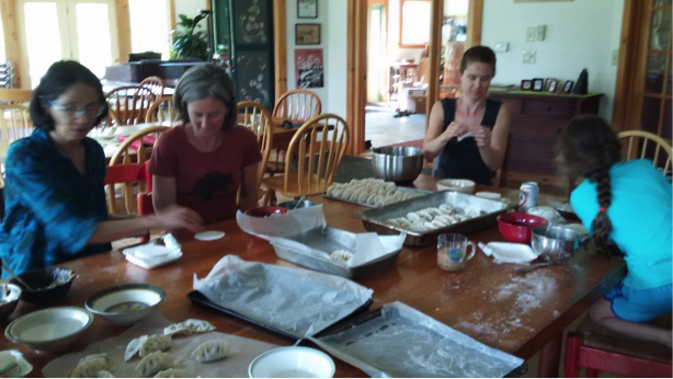 - This was no dumpling-as-an-appetizer event! Cobb Hill folks managed to wrap and eat 440 dumplings – along with fried rice, stir-fried veggies, green salad, and a rice noodle salad.