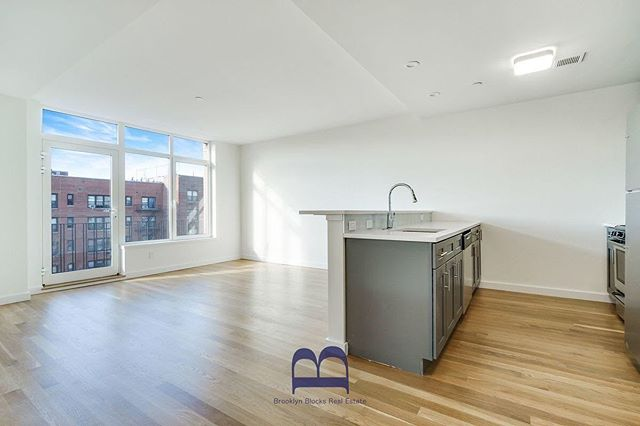 Available now! 1 bedroom in Ditmas Park. Dm for info.