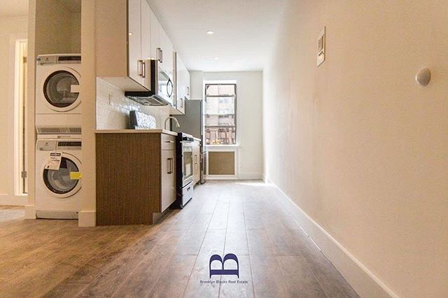 Beautiful 1 bedroom available in Crown Heights, $1900. Ready 3/1. Link in bio.