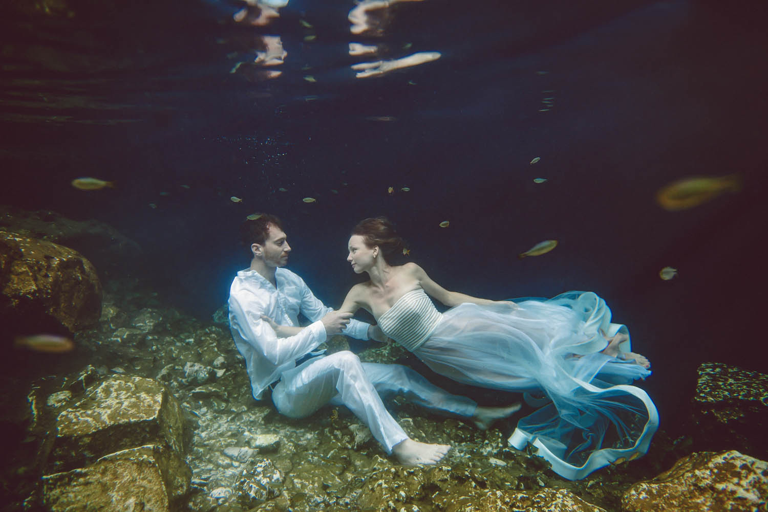 underwater-photographer-trash-the-dress-los-angeles.jpg