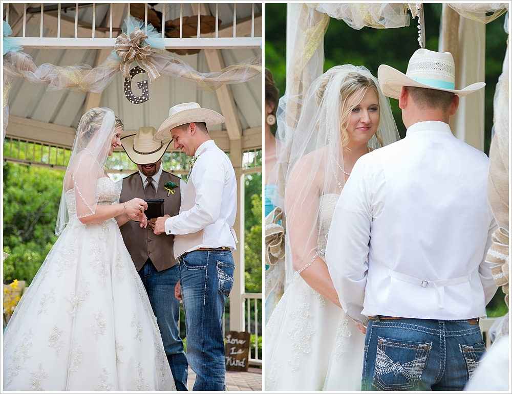 bride and groom at altar | Carleen Bright Arboretum wedding venue in Woodway, TX | Jason & Melaina Photography