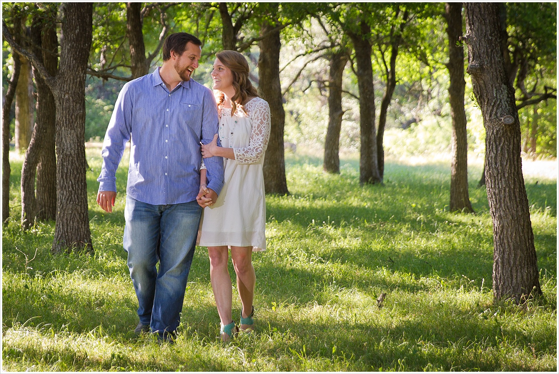 Tips on how to dress for your engagement portraits, Jason & Melaina Photography, Texas Wedding Photographers