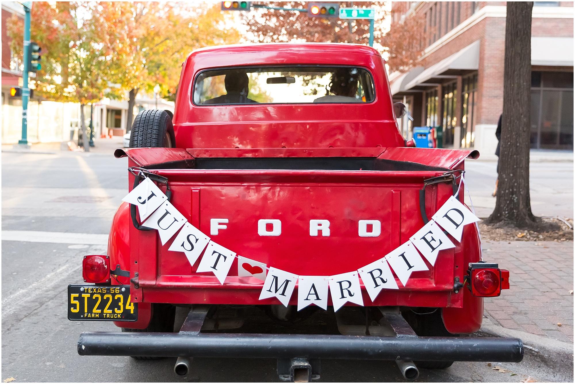 Downtown-Waco-Fall-Wedding_0045.jpg