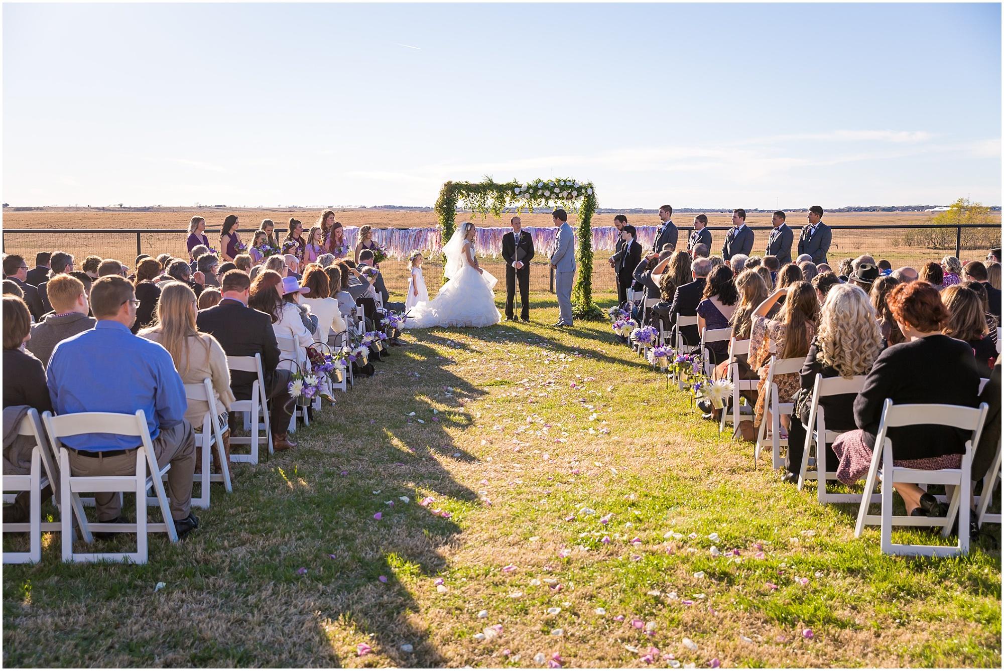 Sunny December wedding at The Barn at 5 S Ranch in Thrall, Texas - Jason & Melaina Photography - www.jasonandmelaina.com