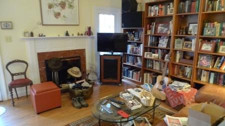 Clifton_VA_Home_Staging_Livingroom_Before