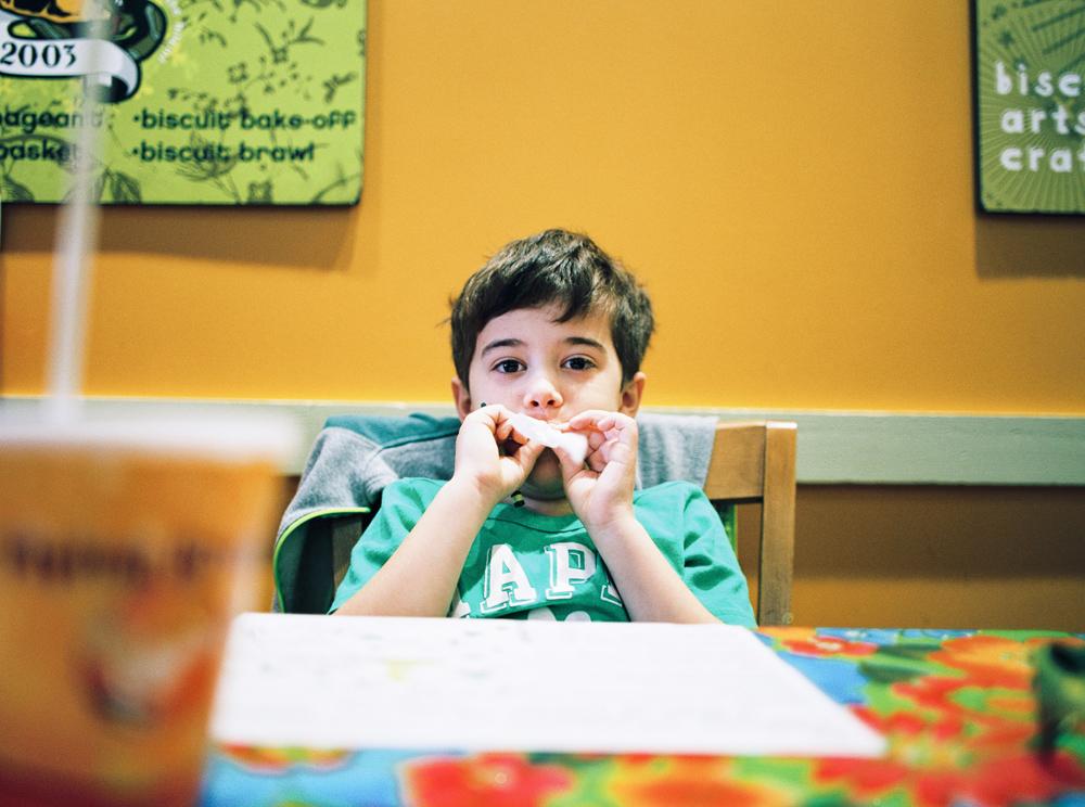 raleigh_child_photographer_carrie_geddie002.jpg