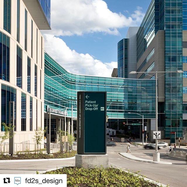 #wayfinding at University of Kansas Health System• • • • #kansascity #fd2s #architecturalphotographer