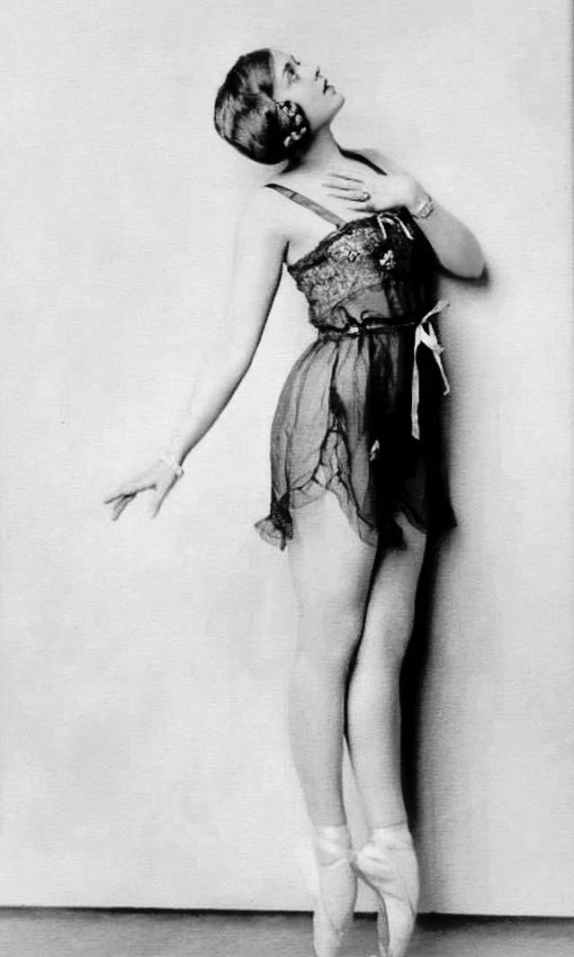 1920slingerieballet.jg