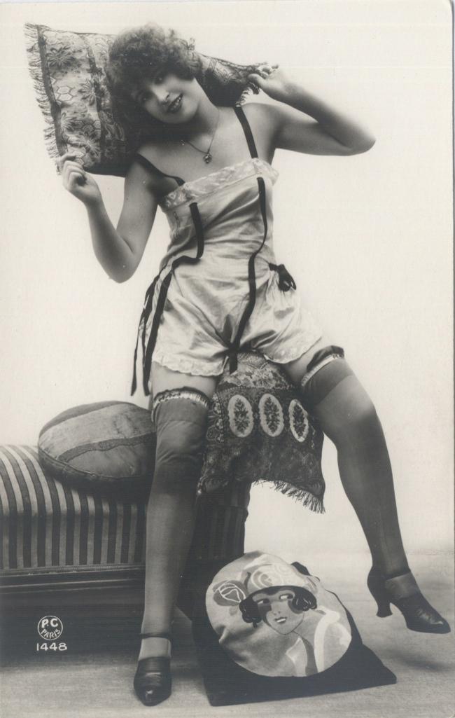 1920slingeriestepin.jpg