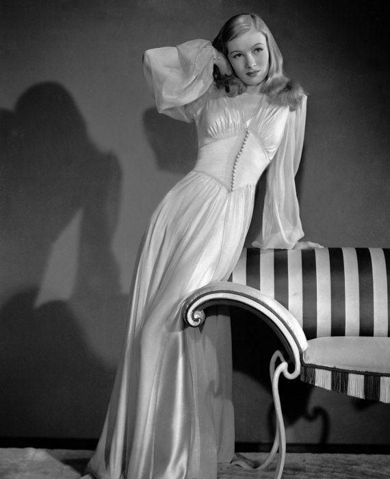 lingeriebydecade1940s6.jpg