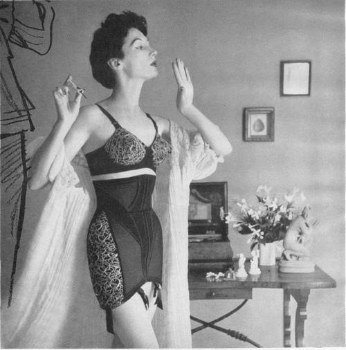 lingeriebydecade1950s5.jpg
