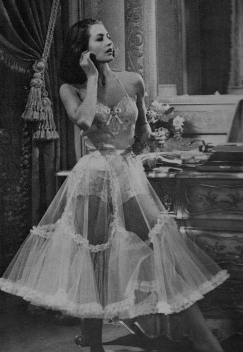 lingeriebydecade1950s7.jpg