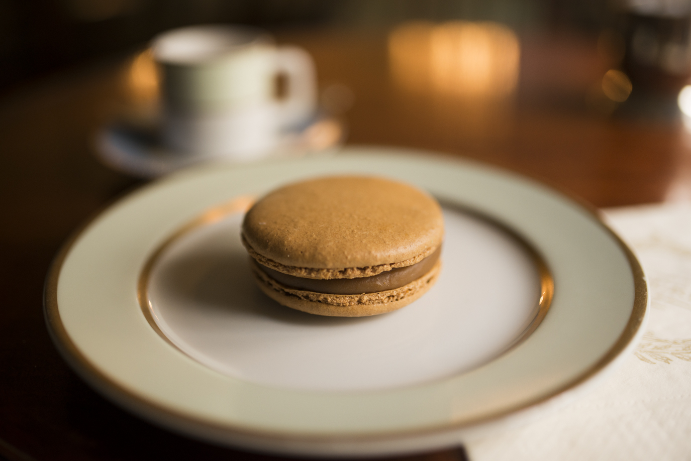 Caramel buerre salé (yes, that is a large macaron)