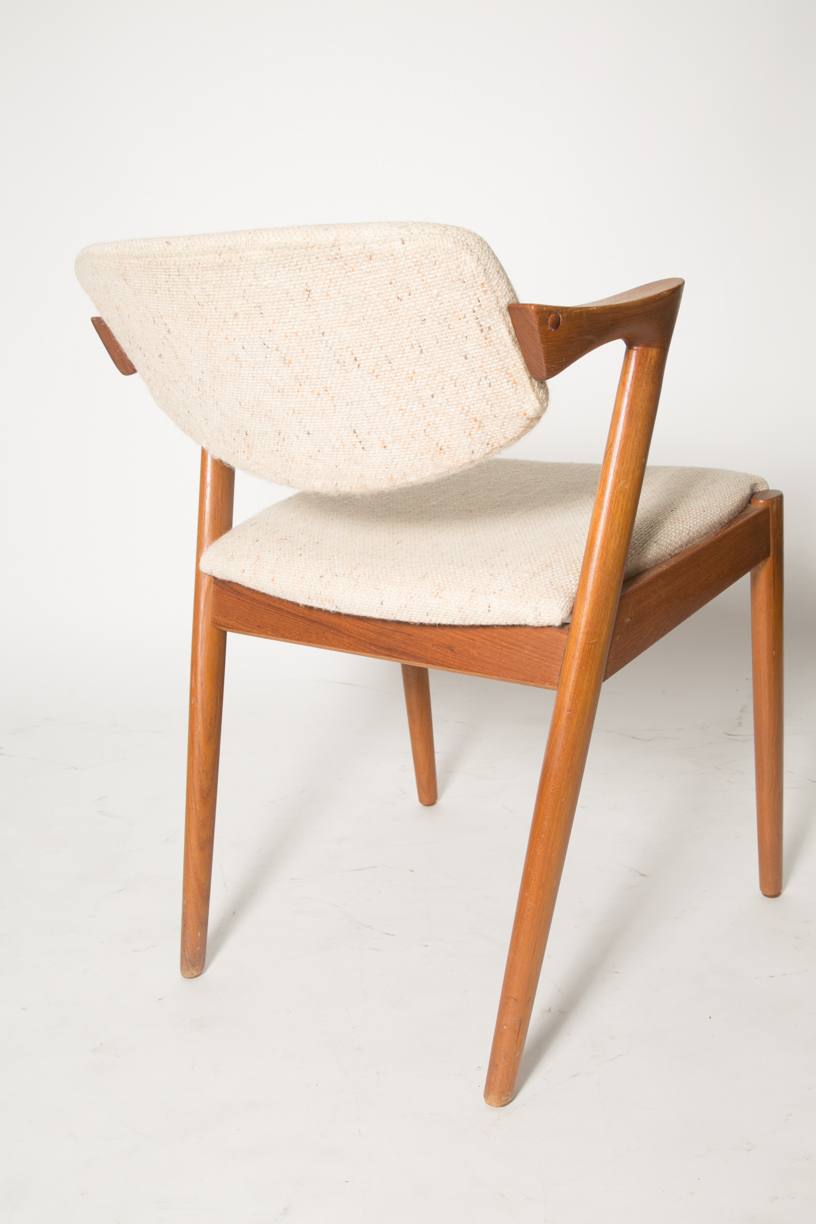 Creme Z chairs KK 3.jpg