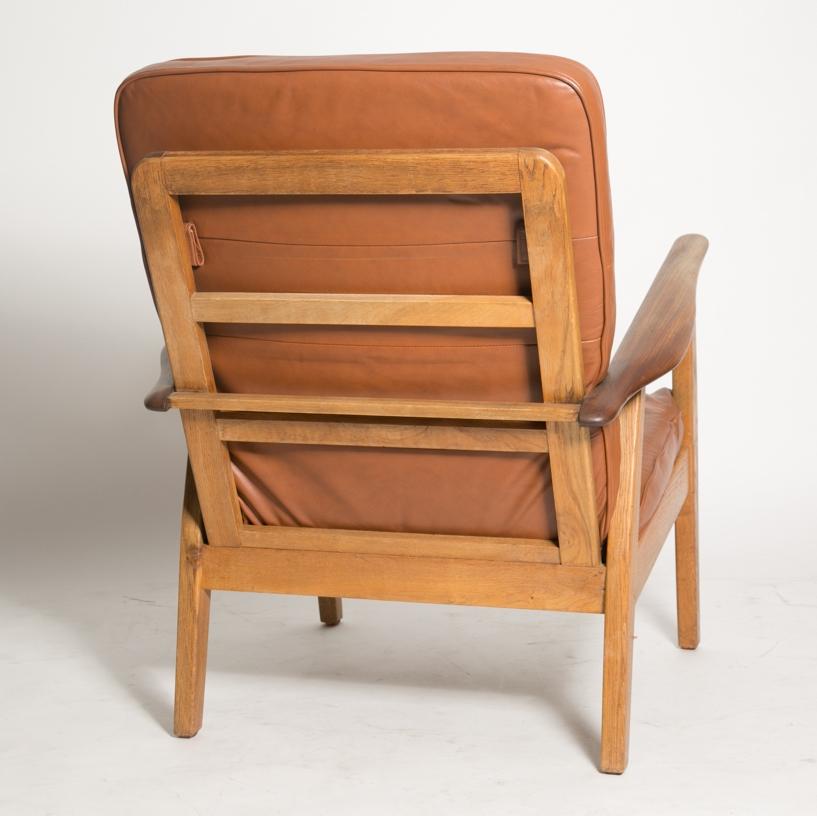 Wegner cigar chair 5.jpg