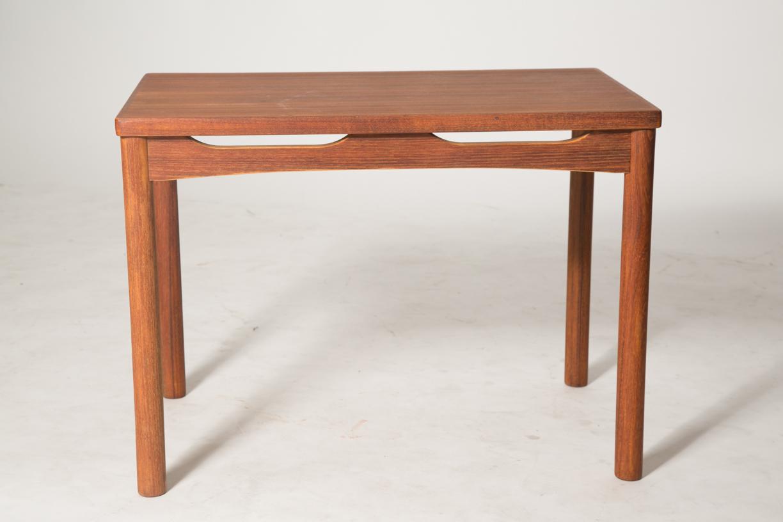 carve skirt end table 2.jpg
