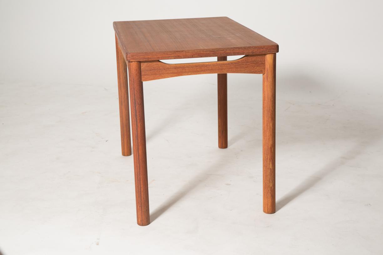 carve skirt end table 5.jpg