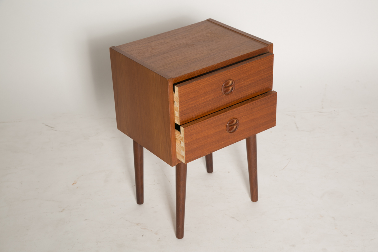 Square nightstand with split round pulls 9.jpg