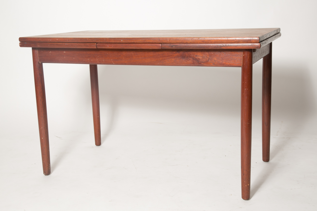 extension teak coffee table 6_FRONT.jpg