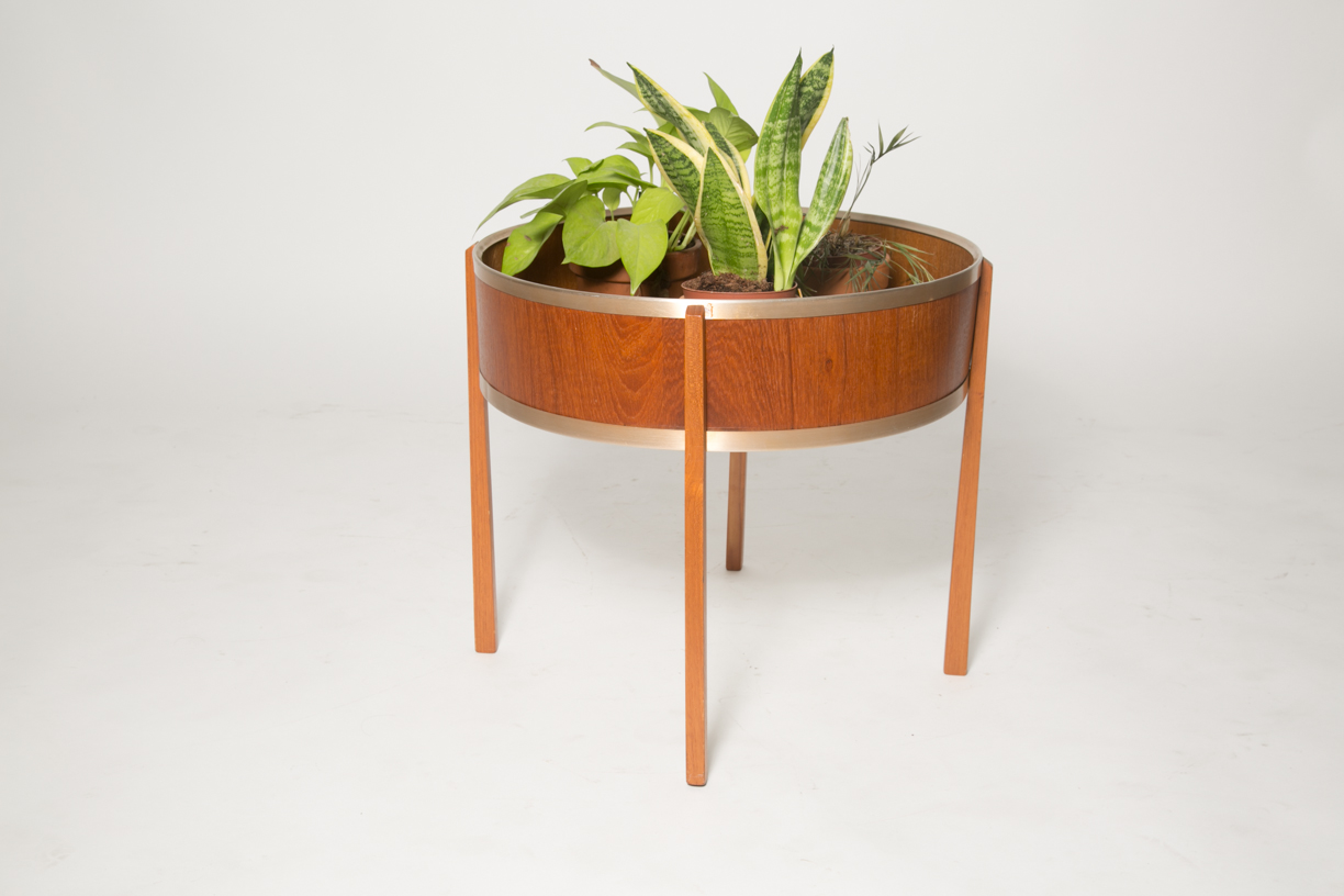 Teak and alu plant stand_FRONT.jpg
