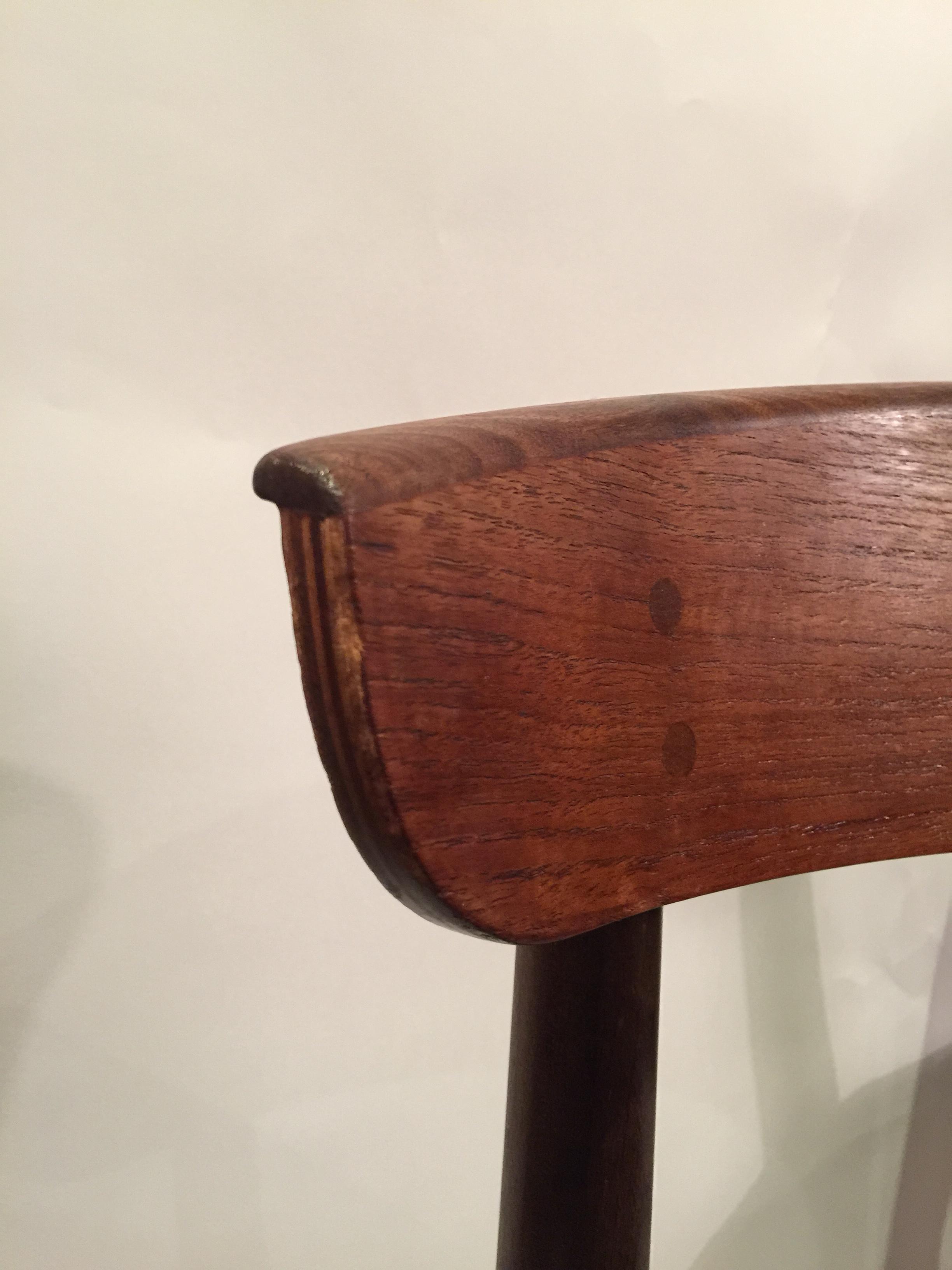 danish peg joint danish chairs in teak 10.JPG