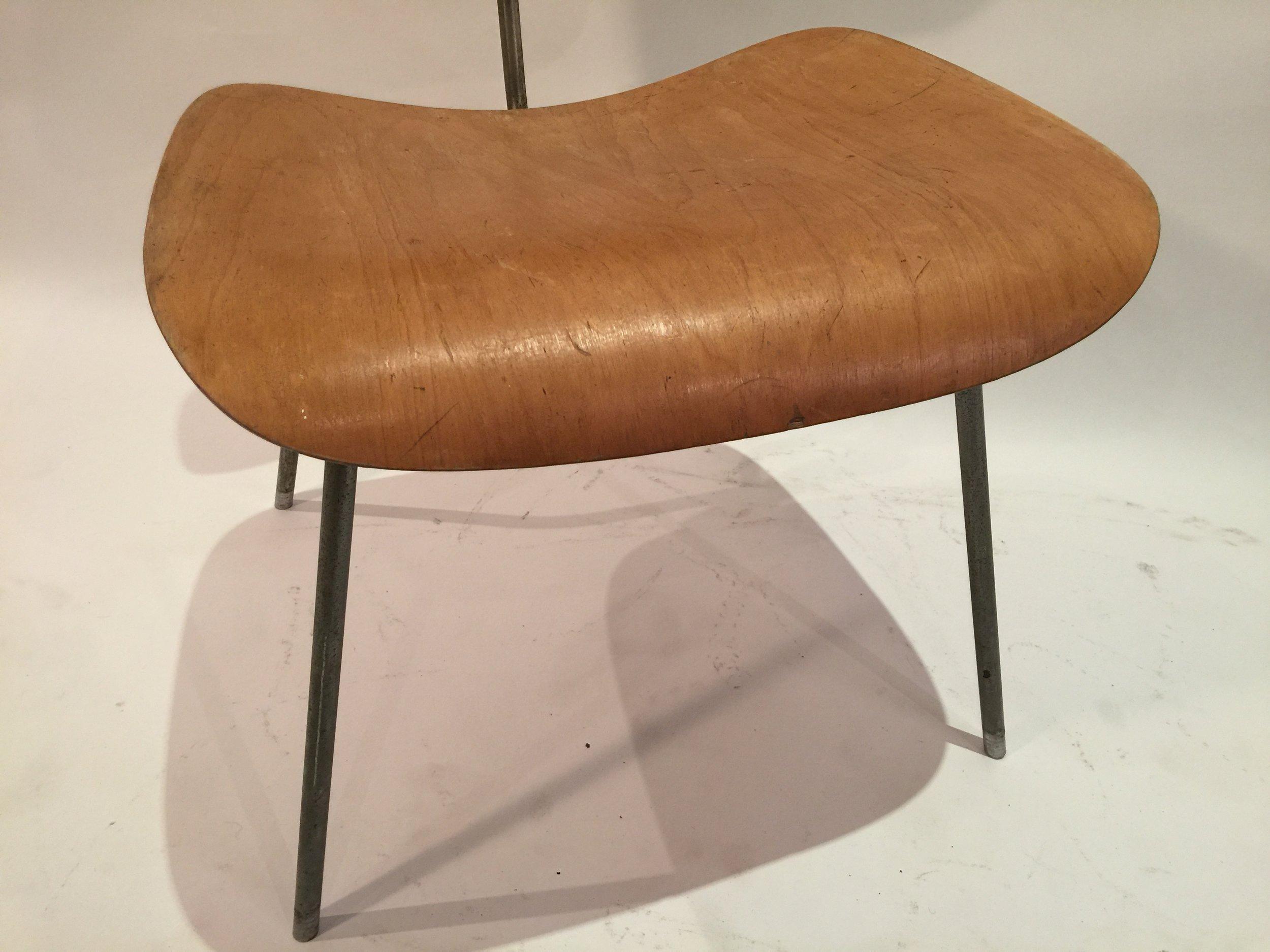 DCM Eames chair 5.JPG