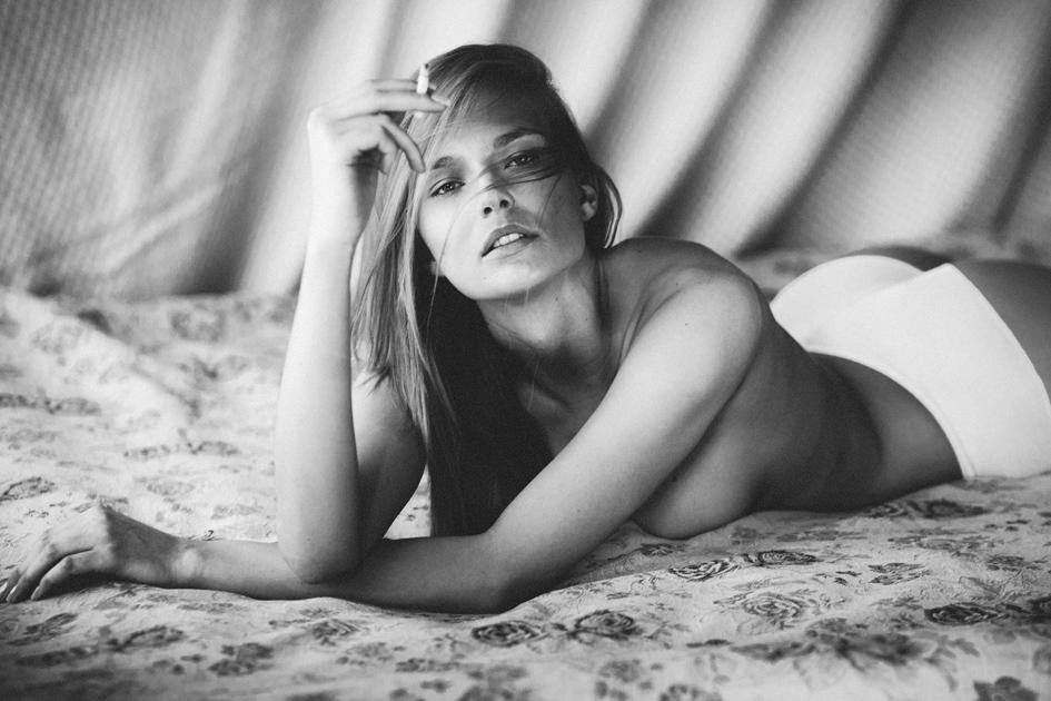 Karolina Szymczak - _MG_8395 phtsp cropped b&w.jpg