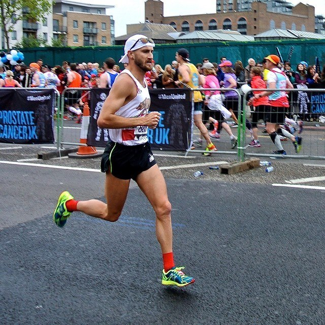 Tyler Underwood, on the way to a 2:26:23 marathon in London, an all-time PRT Men's record!