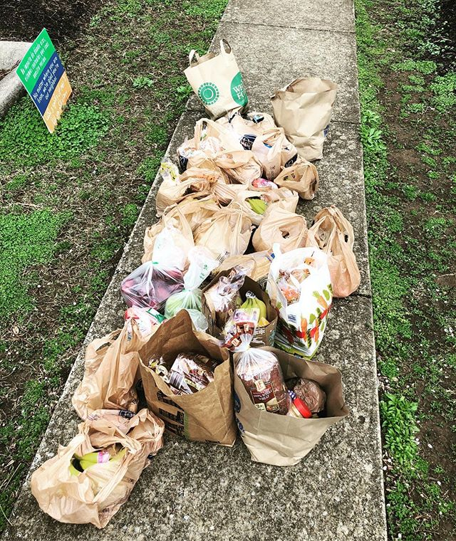 We 💚 our friends at EC3! They found their piece of the puzzle and always come through with bread and fruit when it's time to pack up bags of food for breaks!  #loveyourneighbor #eastnashville #growsomething #SPRINGBREAK