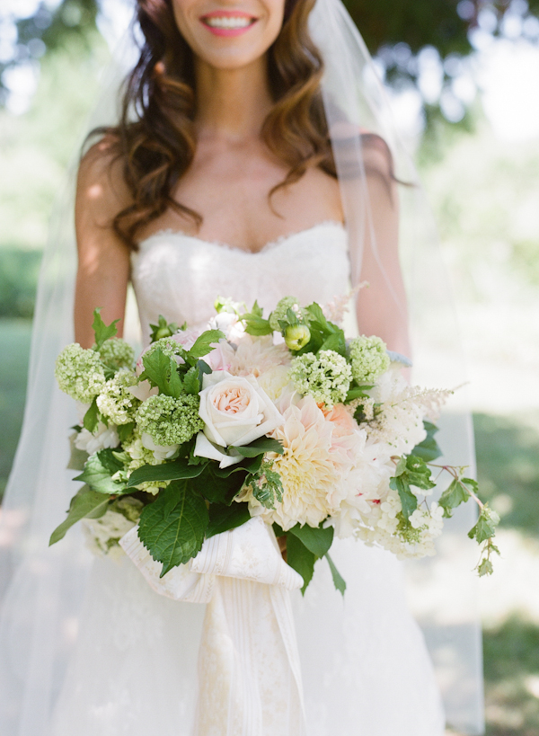 southern-wedding-romantic-bouquet.jpg